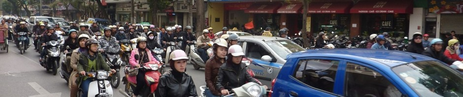 Hanoi_traffic_header_P1050439
