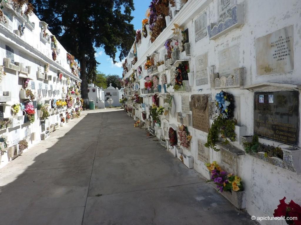 antigua_cemetery_p1210465