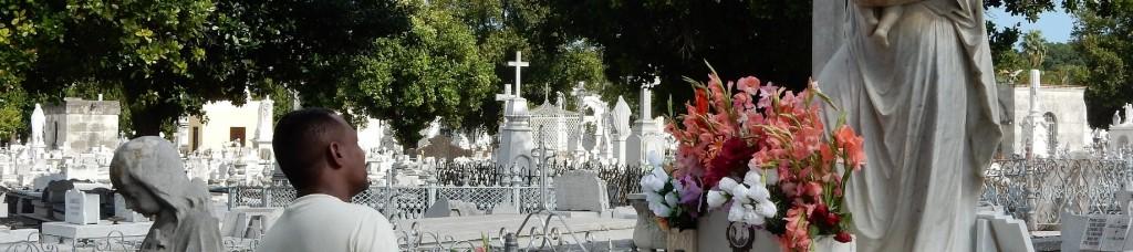 CementerioColon_MilagrosHeader_DSCN1048