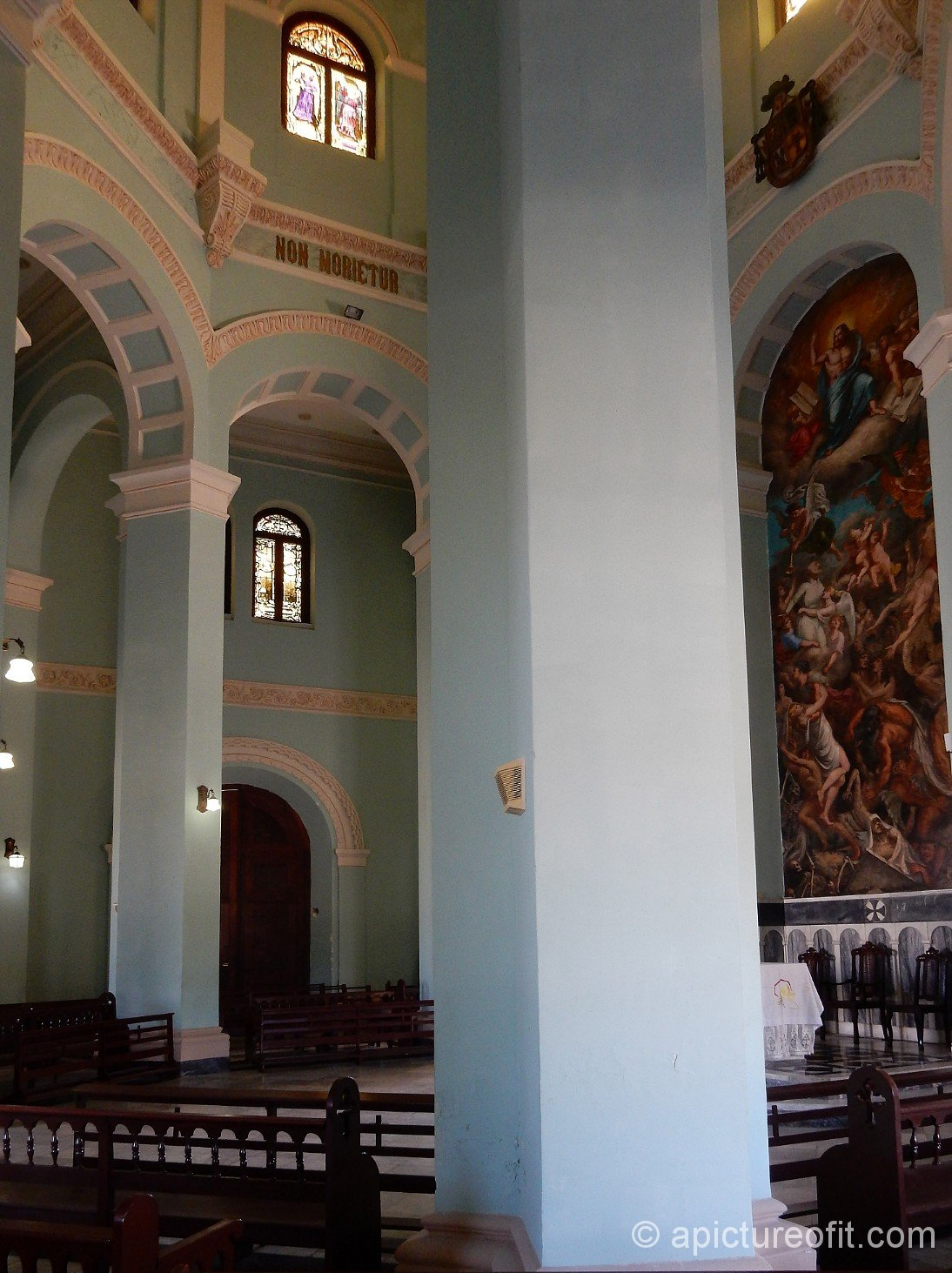 Interior of la Capilla Central