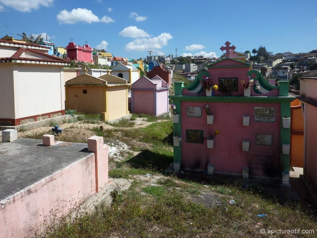 chichicastenango_cemetery_p1220917p